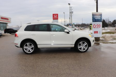 2011 Volkswagen Touareg Highline- ONLY 84000 KMS, DIESEL SUV