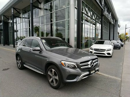 2017 Mercedes-Benz GLC300 Premium One package, Rear view camera, Navigation