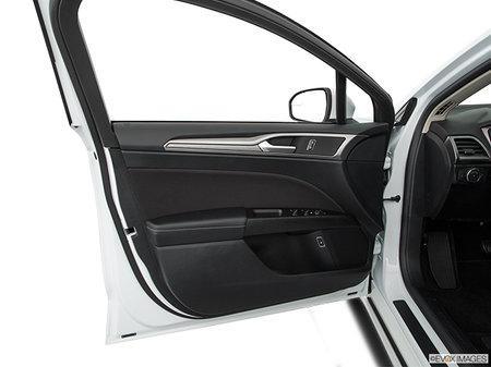 Ford Fusion SE 2017 - photo 2