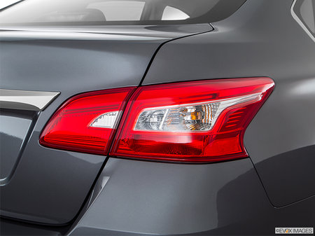Nissan Sentra S 2018 - photo 1