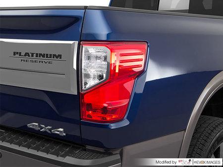 Nissan Titan XD Gas PLATINUM 2018 - photo 1