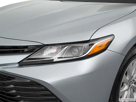 Toyota Camry LE 2018 - photo 1