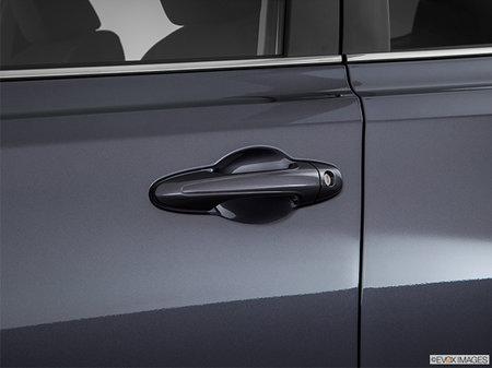 Toyota RAV4 LE FWD 2018 - photo 2