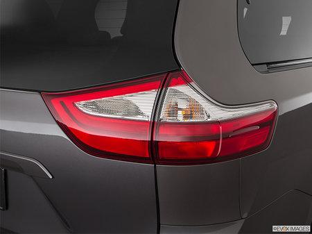 Toyota Sienna XLE AWD 2018 - photo 2