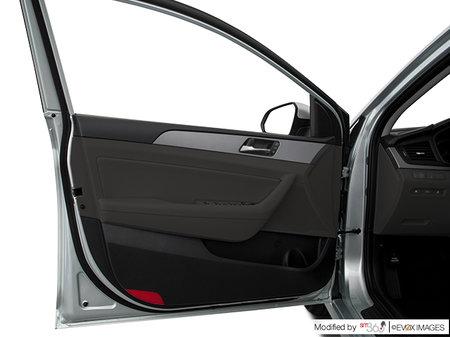 Hyundai Sonata Essential with Sport package 2019 - photo 2