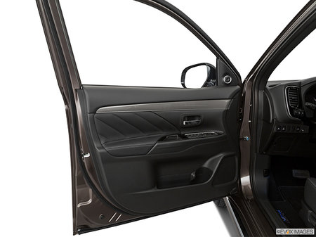 Mitsubishi Outlander PHEV GT 2019 - photo 2