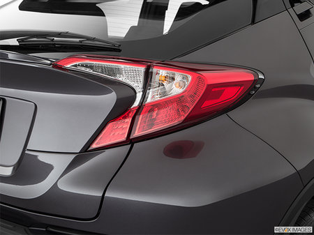 Toyota C-HR LE 2019 - photo 2