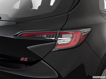 Toyota Corolla Hatchback SE 2019 - photo 2