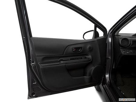 Toyota Prius C BASE Prius c 2019 - photo 2