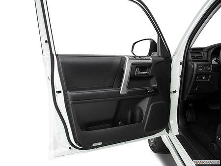 Toyota 4Runner Nightshade 7-Passenger 2020 - photo 2