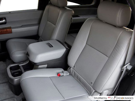 Toyota Sequoia Platinum 2020 - photo 2