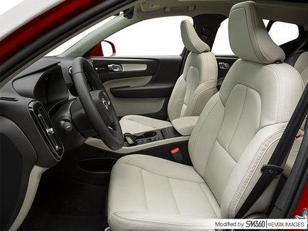 Volvo XC40 Momentum 2020 - photo 3