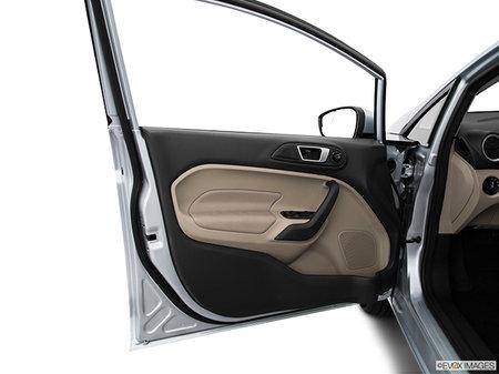 Ford Fiesta Hatchback SE Hatch 2019 - photo 2