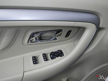 Ford Taurus SE 2019 - photo 2
