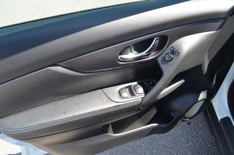 2016 Nissan Rogue SV AWD SIEGES CHAUFFANT BLUETOOTH CAMERA RECUL A/C