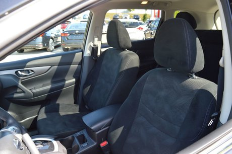 2016 Nissan Rogue SV AWD, JANTES EN ALLIAGE CAMERA DE RECUL