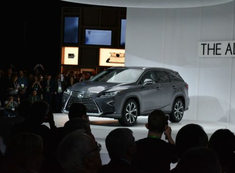 Lexus RX-L : Lexus ajoute une version allongée au RX à Los Angeles