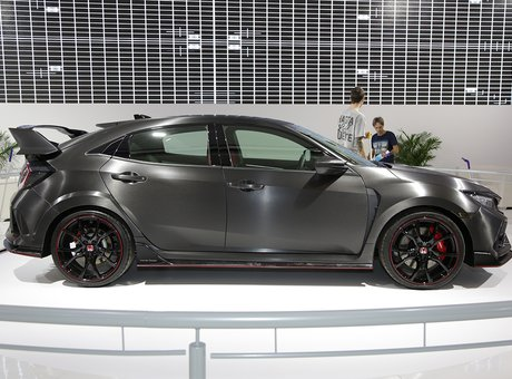 Check out the Honda Civic Type R at the Montreal Auto Show