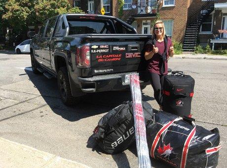 Marie-Philip Poulin part s'entraîner à Calgary!