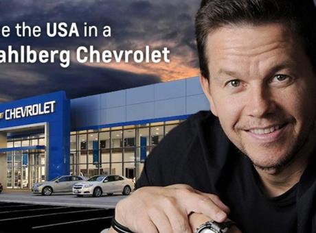 L'acteur Mark Wahlberg et Chevrolet : le monde du cinéma se pointe dans le domaine automobile