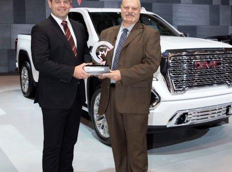Le GMC Sierra 2019 cumule les récompenses au salon international de l'auto du Canada 2019