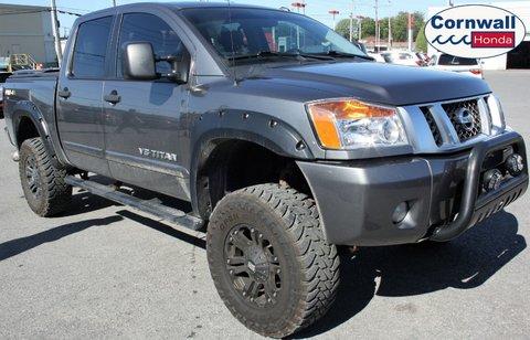 2014 Nissan Titan 4WD, Rockford Fosgate Audio System