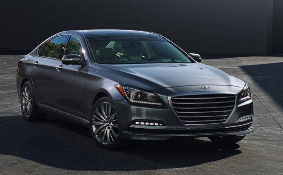 La Hyundai Genesis est parmi les 10 meilleures voitures pour les golfeurs
