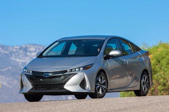 Honda Clarity hybride 2018 vs Toyota Prius Prime 2018 à Longueuil