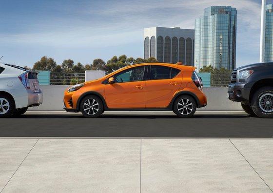 Toyota Prius C 2019 : Prix et Fiche Technique chez Longueuil Toyota