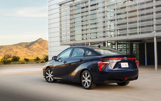 2019 Mirai: Hydrogen Fuel Cell Electric Car | Longueuil Toyota