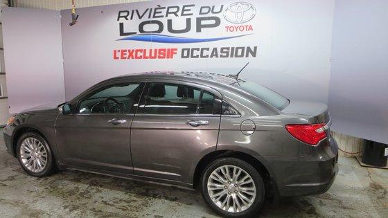 Chrysler 200 Limited 2014 CUIR,TOIT,PNEUS HIVER (5/21)