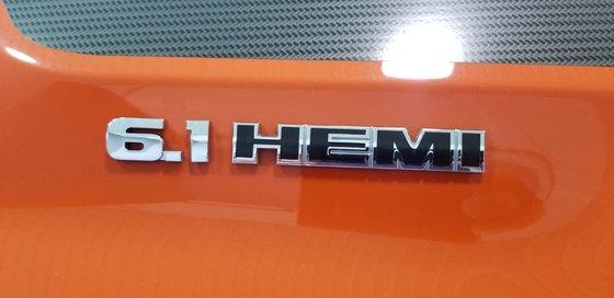 2008 Dodge Challenger SRT8 6.1 L  SPECIAL EDITION SEULEMENT 500 CANADA (6/22)
