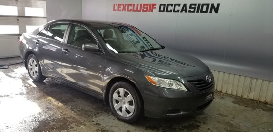 Toyota Camry LE 2009 (2/17)