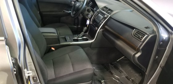 2015 Toyota Camry LE (15/20)
