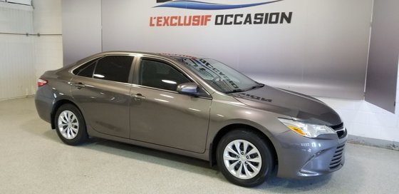 2015 Toyota Camry LE (2/20)