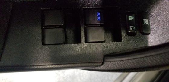 Toyota Corolla LE 2015 (11/18)