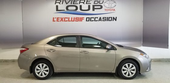 Toyota Corolla LE 2015 (1/18)