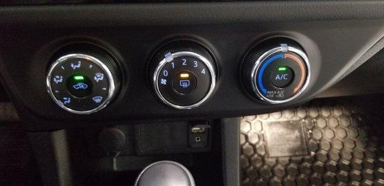 Toyota Corolla CE 2015 (8/19)