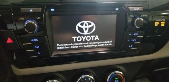2016 Toyota Corolla LE (14/23)