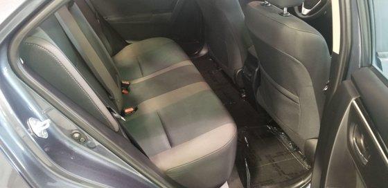 2018 Toyota Corolla LE (18/21)