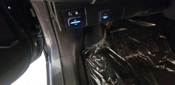 2018 Toyota Corolla LE (15/21)