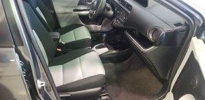2014 Toyota Prius C (9/21)