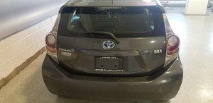 2014 Toyota Prius C (3/21)