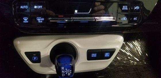 2018 Toyota Prius (14/21)