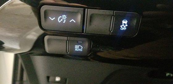 2018 Toyota Prius (17/21)