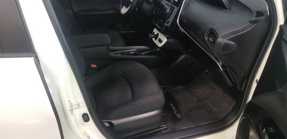 2018 Toyota Prius (7/21)