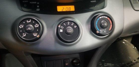 2008 Toyota RAV4 AWD (13/20)