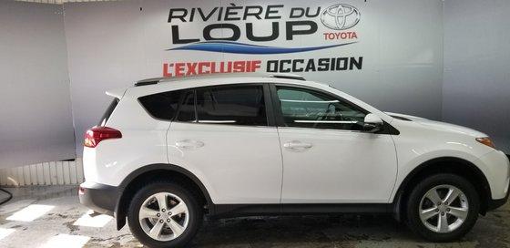 Toyota RAV4 XLE 2013 (1/18)
