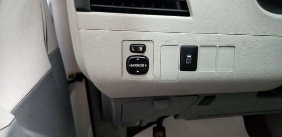 Toyota Sienna LE 2011 (16/23)