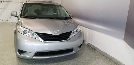 2012 Toyota Sienna LE (4/16)